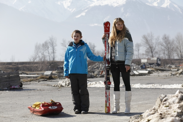 sister-2012-001-kids-with-ski-gear1