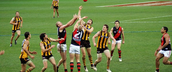 800px-Stoppage_in_an_AFL_game