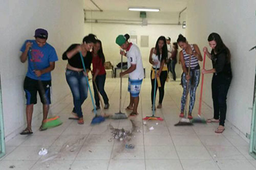 Ocupa-Escola-School-Maintenance1