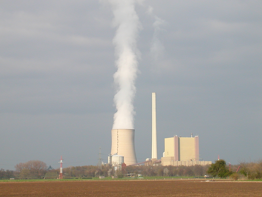 nuclear power in australia essay Nuclear power stations are set up in a multiple-step process that has been designed to help contain the energy and many of its negative byproducts this process alone is the base of several advantages and disadvantages for this energy source.